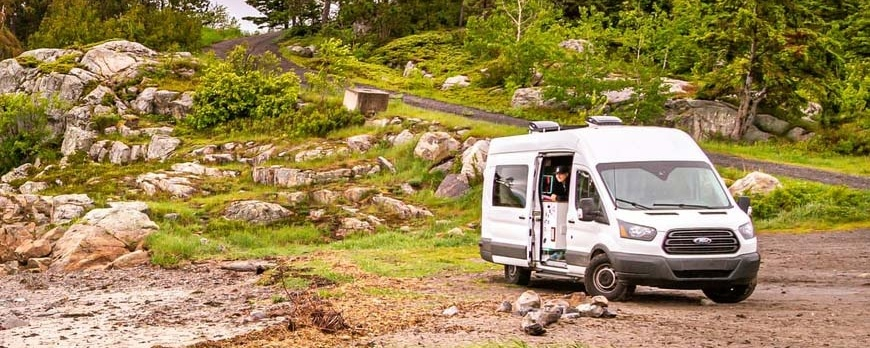 Top 5 Tips & Guides For Living In an RV Motorhome